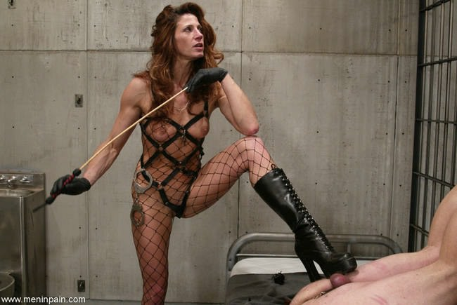 Bdsm master mistress slave submissive