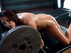 Voluptuous new girl machine stuffed to the limit, cumming loudly and forgetting where she is -Sybian destroys her clit's opinion about powerful v